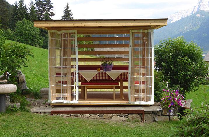 Gartenlaube blockhaus mayr schabs s dtirol for Gartenlaube modern einrichten